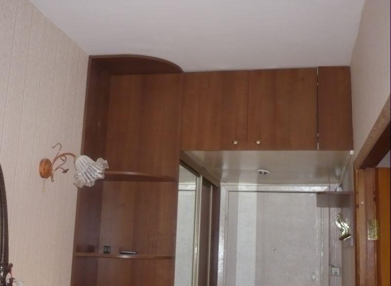 Двери купе для встроенных типовых шкафов ремонт дверей купе.