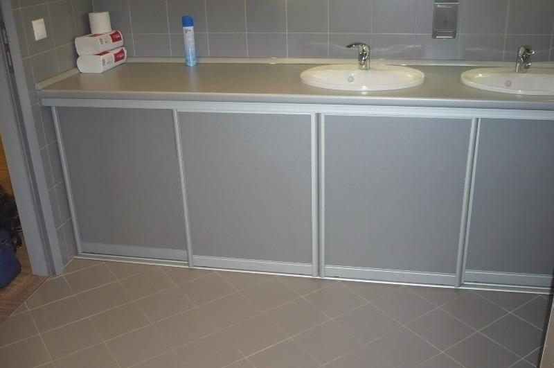 шкафы в туалете