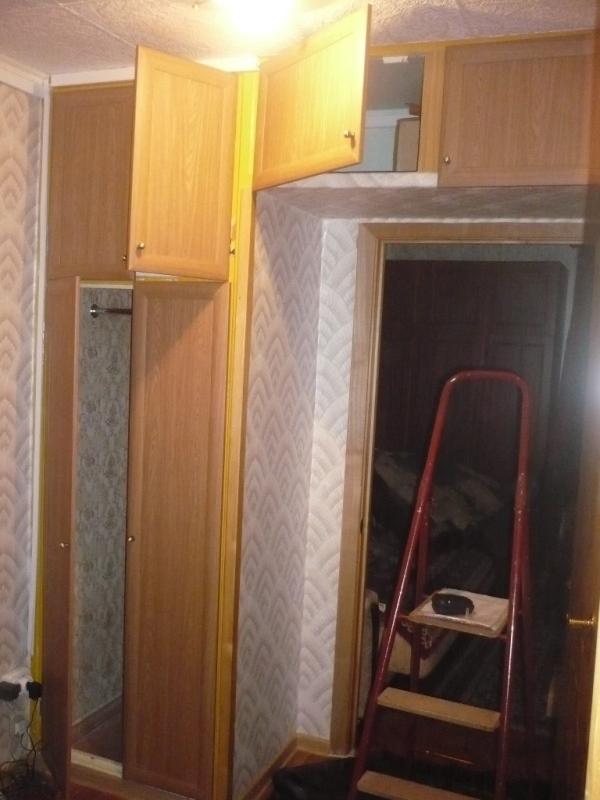 Замена дверей для встроенных шкафов.