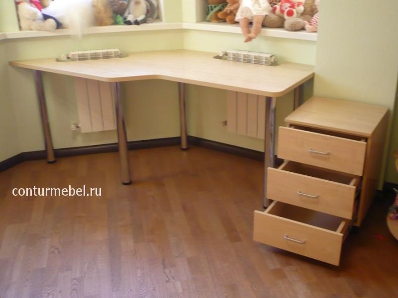 Криволинейный стол