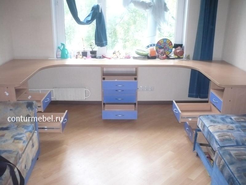 Соединенные угловые столы детские