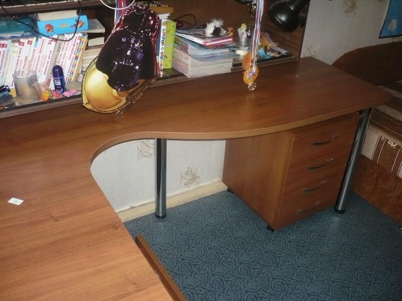 Стол для двоих детей на заказ угловой письменный стол с тумб.