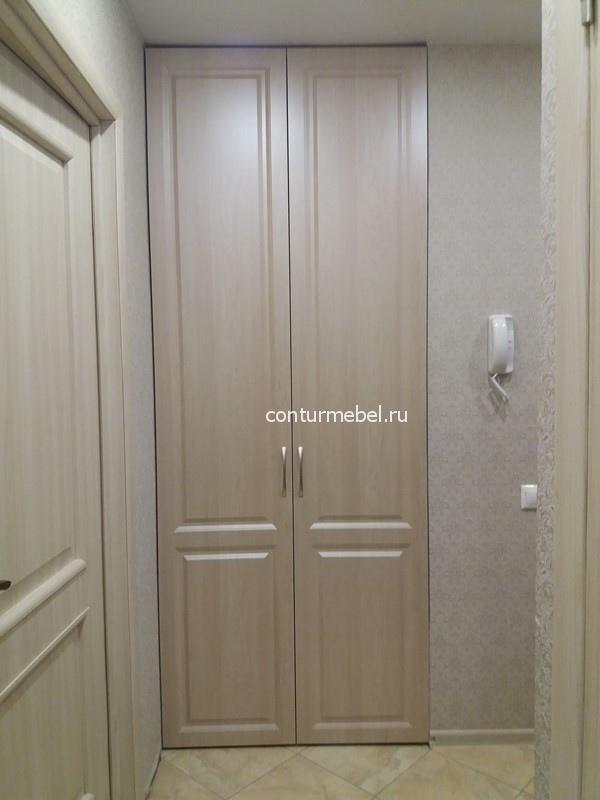 Две фрезерованные двери из МДФ под пленкой КЛЕН от пола до потолка