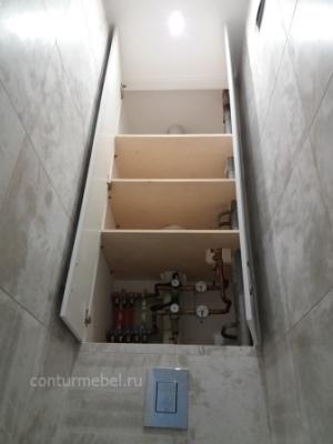 шкаф над подвесным унитазом